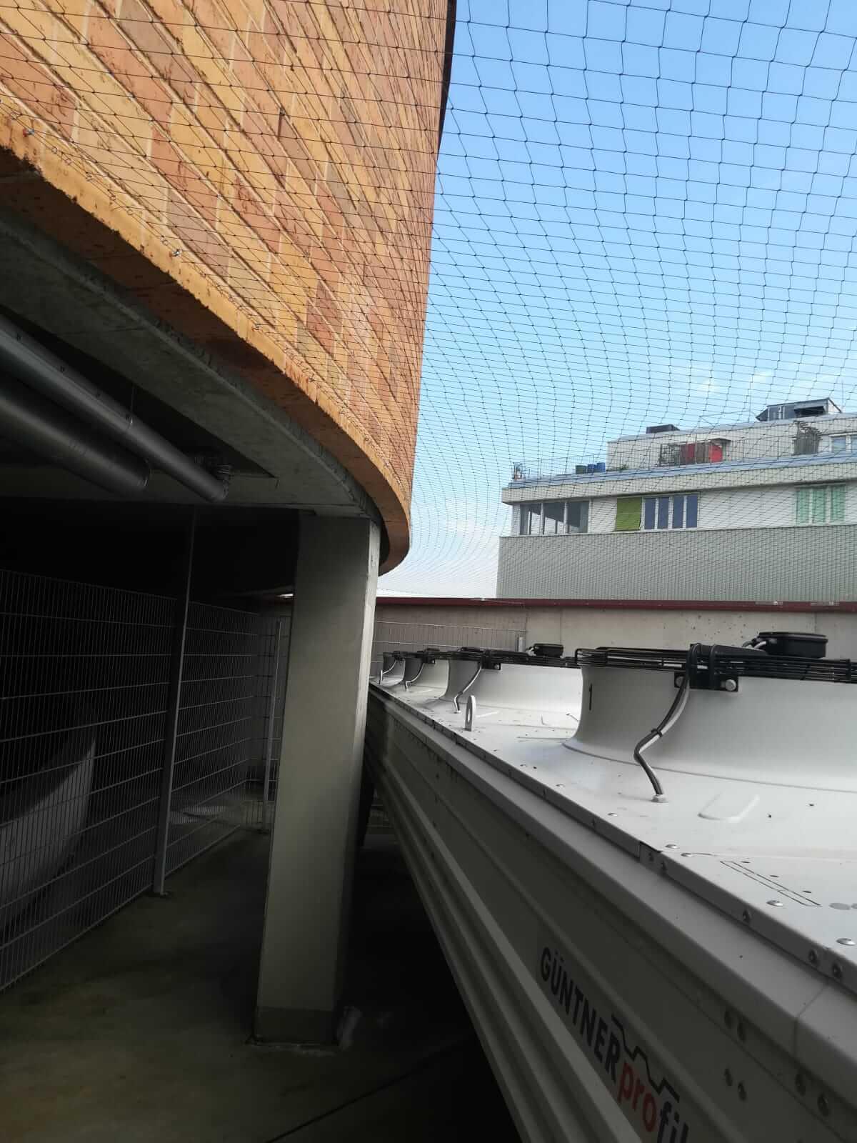 Taubenschutznetz Klimaanlage